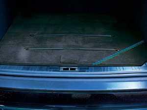 ES#3448546 - 5143300 - Alpina Trunk Mat - Trunk mat with silver Alpina logo - Alpina - BMW