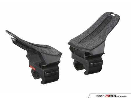 ES#3476073 - 8004083 - DeckHand Kayak Carrier - Pair - Impressively simple and easy to load, the DeckHands felt-padded saddles conform to your kayaks hull. - Yakima - Audi BMW Volkswagen Mercedes Benz MINI Porsche