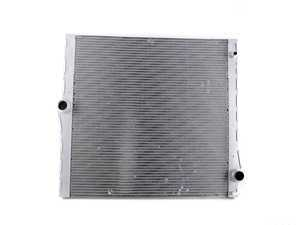 ES#3491809 - 17117585036SD1 - Radiator *Scratch And Dent* - Keep your engine running cool - Genuine BMW - BMW