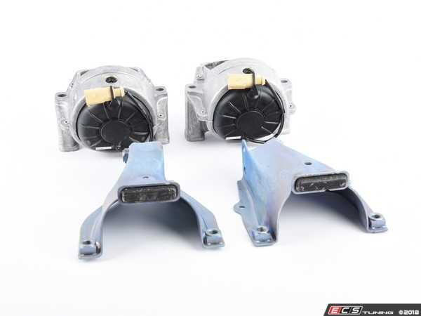 ES#3537045 - 8r0199381adKT1 - Engine Mount Set - Includes both engine mounts with retaining plates - Genuine Volkswagen Audi - Audi