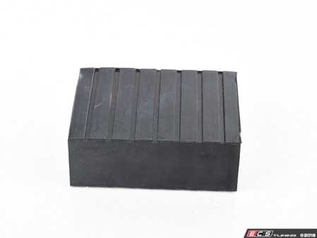 "ES#3509587 - 5300860 - Short Rubber Contact Block - Priced Each - 1.5"" tall rubber block used to increase jack point accessibility - QuickJack - Audi BMW Volkswagen Mercedes Benz MINI Porsche"