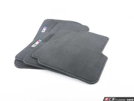ES#195861 - 82111470393 - ///M Carpeted Floor Mat Set - Black - Freshen up your interior with new floor mats. Embroidered with M3 logo. - Genuine BMW - BMW