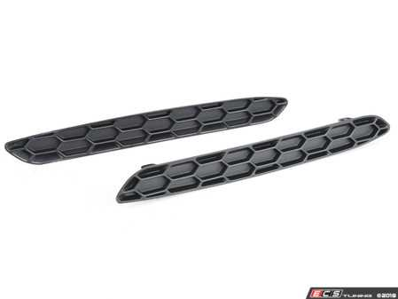 ES#3603575 - R01-1-1000-01 - Matte Black Honeycomb Rear Reflector Inserts  - Ditch the stock reflectors with these inserts from Acexxon. - Acexxon - BMW
