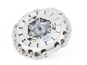 ES#3647024 - K70281HDOsd - Stage 2 Daily Clutch Kit - *Scratch And Dent* - Designed for the daily-driven, weekend track warrior. Conservatively rated at 315ft/lbs - South Bend Clutch - BMW