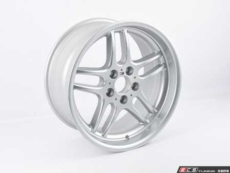 """ES#3690168 - 36112227933sd - 18"""" Style 37 M Parallel Wheel - *Scratch And Dent* - 18x9 ET22 72.6mm CB, does not include center cap - Genuine BMW - BMW"""