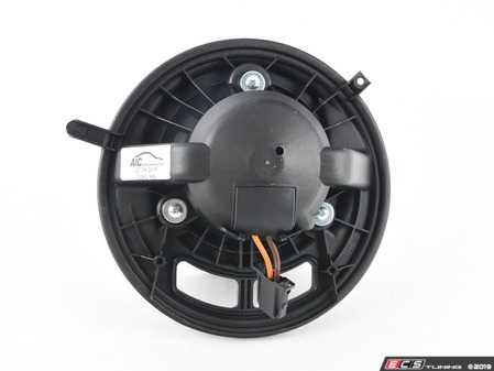ES#3673421 - 64119227670 - HVAC Blower Motor - Located behind the glove box and responsible for circulating air. Reuses your regulator. - Bavarian Autosport - BMW