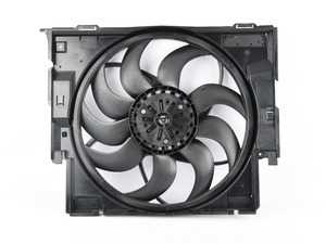 ES#4040594 - 17427640513sd - Radiator Cooling Fan Assembly - *Scratch And Dent* - Cooling fan that is mounted behind the radiator - Genuine BMW - BMW