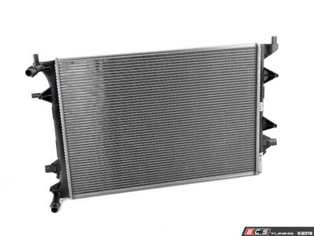 ES#3470058 - 1K0121251EB - Additional Radiator For Intercooler - Keep your engine running cool with a new radiator - Behr - Volkswagen