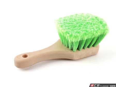 ES#2618962 - ACCG08 - Wheel & Rim Flagged Tip Brush - Green - The Flagged Tip Wheel Brushes are made with super soft synthetic bristles for gentle cleaning of wheels, rims, suspensions, fender liners, undercarriage parts, and more! - Chemical Guys - Audi BMW Volkswagen Mercedes Benz MINI Porsche