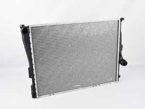 ES#4164834 - 17119071519SD2 - Radiator - Automatic *Scratch And Dent* - Genuine replacement radiator - Genuine BMW - BMW