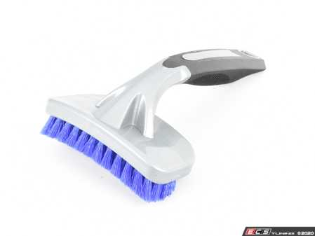 ES#3450413 - ACC204 - Curved Tire Brush - The Curved Tire Brush uses a unique contoured shape to quickly and easily scrub filthy and stained tire sidewalls to release embedded dirt, grease, grime, and debris from deep within the rubber! - Chemical Guys - Audi BMW Volkswagen Mercedes Benz MINI Porsche