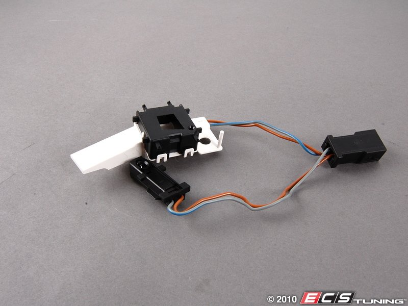 genuine volkswagen audi 8n0971196 cigarette lighter wiring harness es 455702 8n0971196 cigarette lighter wiring harness includes led for lighter