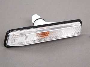 ES#173581 - 63137164492 - White Fender Side Marker - Right - Replace your damaged or burned out side markers - Genuine BMW - BMW