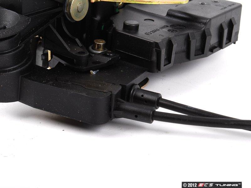 Genuine mercedes benz 1637302335 rear door latch assembly for Mercedes benz door lock problem