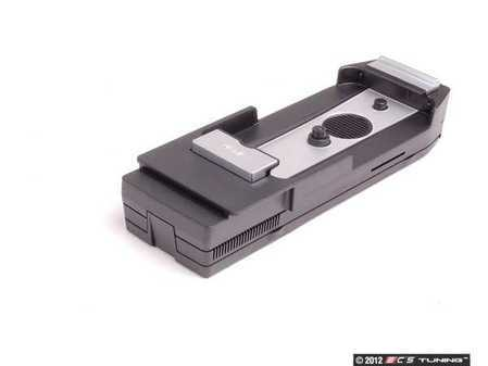 ES#2543370 - 84212298308 - Snap In Media Adaptor - IPhone 4 - Connect to your media equipped BMW / MINI - Genuine BMW - BMW MINI