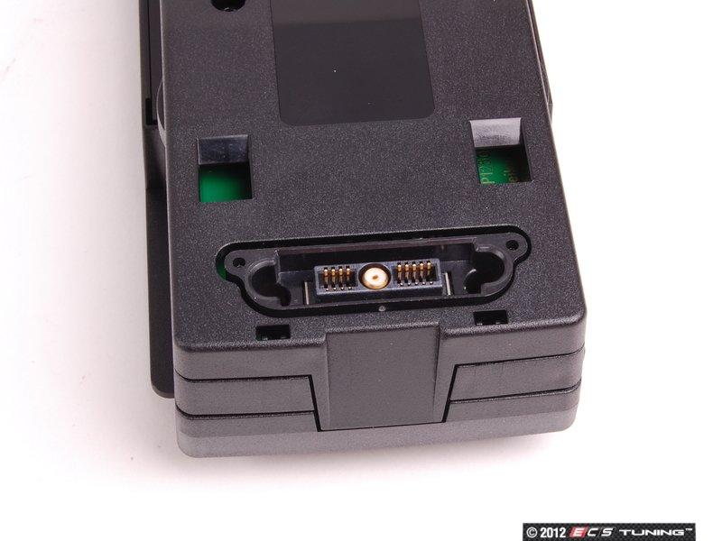 genuine bmw 84212298308 snap in media adaptor iphone. Black Bedroom Furniture Sets. Home Design Ideas
