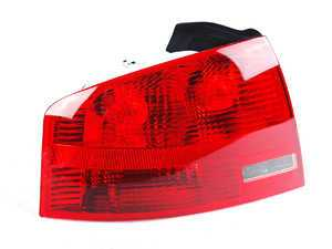 ES#2535522 - 8E5945095A - Outer Tail Light - Left - Restore your vehicle's look - Hella - Audi