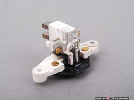 ES#2622496 - 0021547206 - Voltage Regulator - Internal type - Bolts to the back of the alternator - Bosch - Mercedes Benz