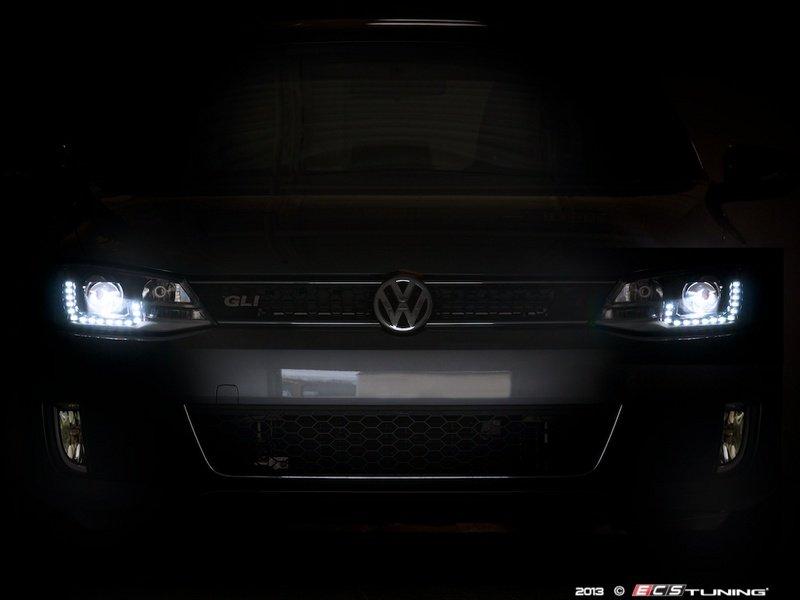 how to change a car headlight 2013 jetta