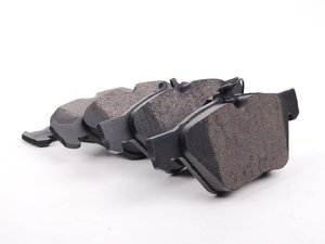ES#2592901 - 0044200320 - Front Brake Pad Set - Does not include brake pad wear sensors - Bosch - Mercedes Benz