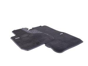 ES#2537479 - 51472293352 - Base Line Front Carpeted Floor Mat Set - Schwarz/Black with textile lines - Genuine BMW - BMW