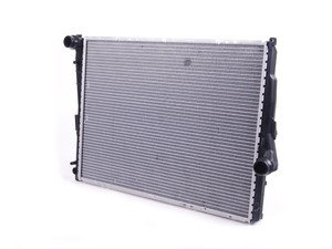 ES#2710378 - 17119071517 - Radiator - Manual  - Replace your leaking radiator. - Mahle-Behr - BMW