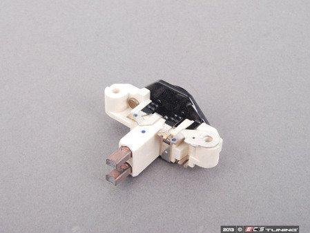ES#2570297 - 12311747920 - Voltage Regulator - Ensures proper voltage being sent to the alternator - Bosch - BMW