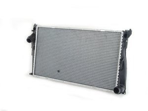 ES#2702317 - 17117547059 - Engine Radiator - Automatic - Keep your engine cooling properly - Mahle-Behr - BMW