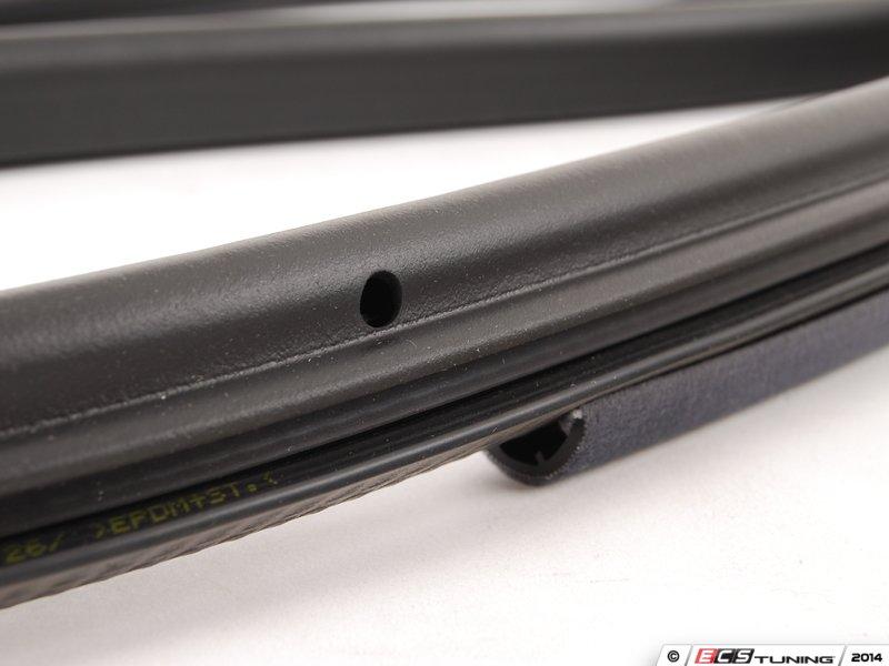 Amazing ... ES#430586   8D0831722K9SM   Front Inner Door Seal   Onyx   Right   Seals  ...