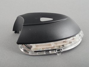 ES#2539741 - 3C8949102E - Mirror Turn Signal Indicator - Right - Mirror-mounted turn signal assembly - Genuine Volkswagen Audi - Volkswagen