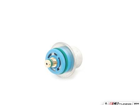 ES#2702268 - 13531436110 - Fuel Pressure Regulator - Regulator located on the end of the fuel rail - Bosch - BMW