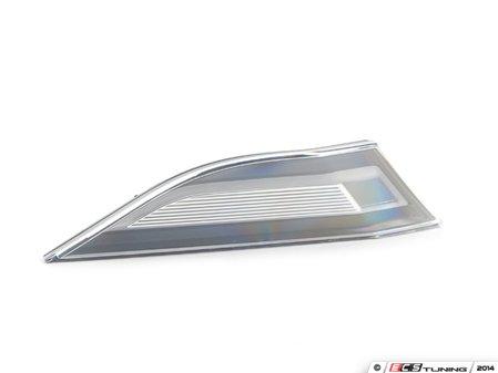 ES#3336825 - 99163125606 - LED Clear Side Marker - Right - European-spec housing featuring amber-flashing LEDs - Genuine Porsche - Porsche