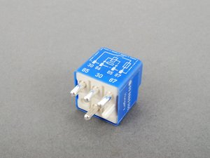 ES#1615062 - 0025420119 - Auxiliary Fan Relay - Stage I -- 15 Amp - Genuine Mercedes Benz - Mercedes Benz