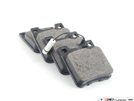 ES#2603099 - 0044209320 - Rear Brake Pad Set - Does not include new brake pad wear sensors - Bosch - Mercedes Benz