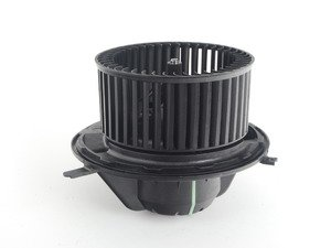 ES#2747956 - 64119227670 - HVAC Blower Motor With Regulator - Located behind the glove box and responsible for circulating air. Includes new regulator! - Vemo - BMW