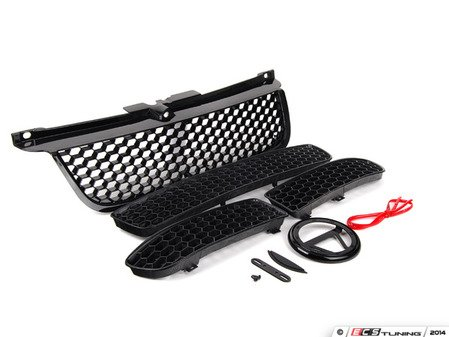 ES#2807114 - gr-vwj4-KT - 4 Piece Grille Kit - Honeycomb Mesh - Includes upper grille, 3 piece lower grilles, badge holder, adhesive red accent strip, and notch filler - ECS - Volkswagen