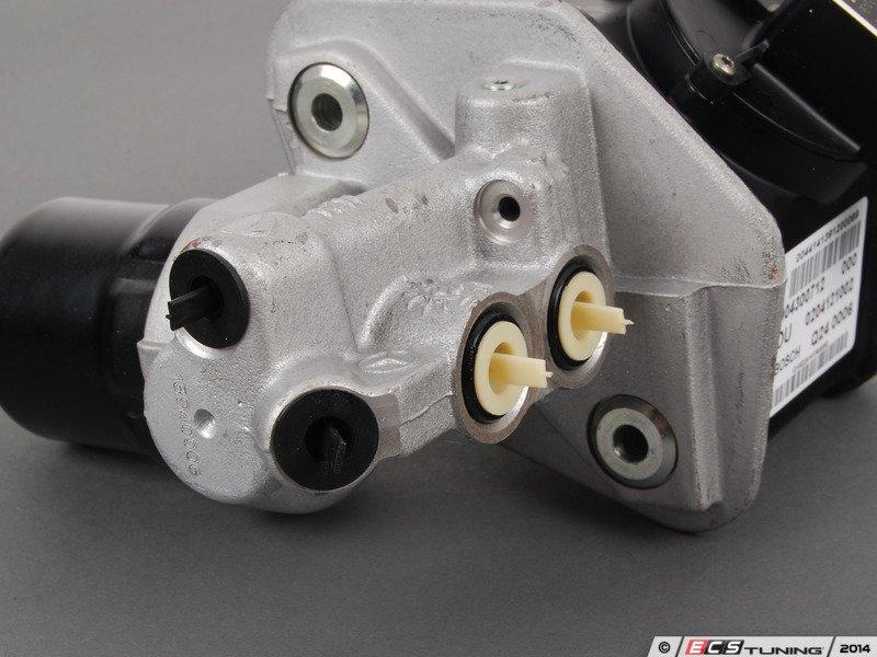 Genuine mercedes benz 0004300712 brake master cylinder for Mercedes benz sensotronic brake control sbc
