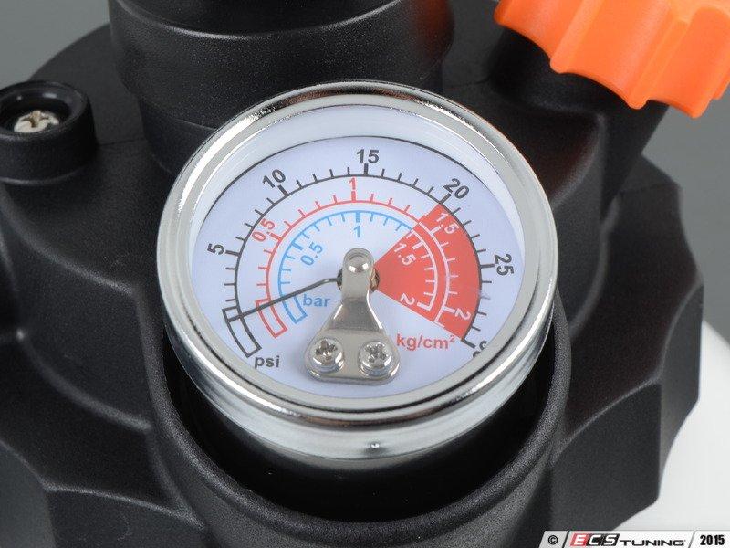 Assembled By ECS - 007091ECS04KT - Racing Brake Fluid Flush Kit - Level 3
