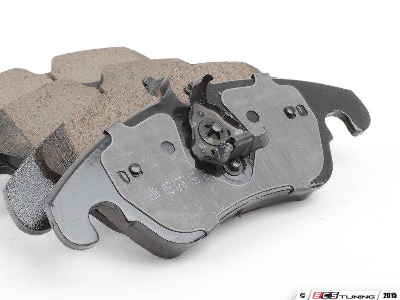 Akebono 8k0698151h Front Euro Ceramic Brake Pad Set