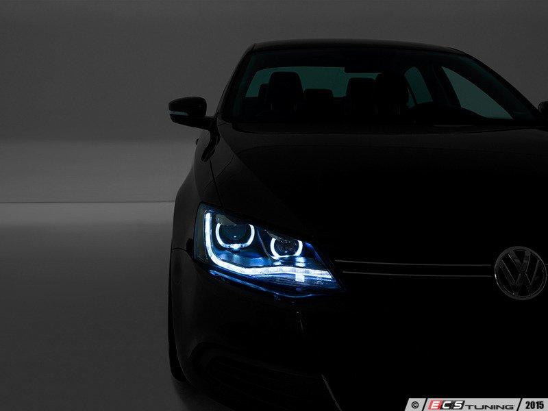ECS News - Projector Headlights For Your VW MK6 Jetta