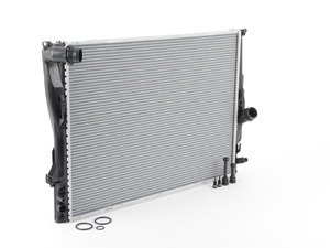 ES#2955401 - 17117562079 - Radiator - For vehicles with automatic transmission - Nissens - BMW