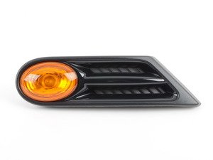 ES#2139014 - 63137260202 - Side Turn Signal & Grille - Amber - Right - Black side vent section on the quater panel ; black gloss - Genuine MINI - MINI