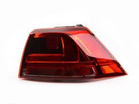 ES#2786352 - 5GM945096B - Outer Tail Light - Right - Outermost tail light assembly found on passenger's side - Genuine Volkswagen Audi - Volkswagen