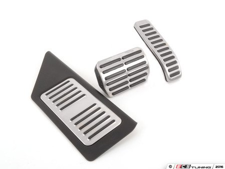 ES#3085060 - 7l6721647aKT2 - Brushed Stainless Pedal Set - With Rennline Dead Pedal - Three piece brushed stainless steel pedal set to personalize your interior - Assembled By ECS - Volkswagen