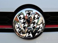 ES#3096600 - K4FR17 - Front Badge Inlay - Houndstooth - 5-piece badge inlay set that can be applied without removing the badge - Klii Motorwerkes - Volkswagen