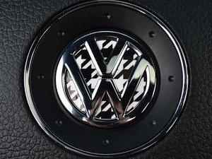 ES#3096614 - K4SW4 - Steering Wheel Badge Inlay - Houndstooth - 5-piece badge inlay set for your steering wheel emblem - Klii Motorwerkes - Volkswagen
