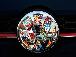 ES#3096616 - K5FR17 - Front Badge Inlay - Stickerbomb - 5-piece badge inlay set that can be applied without removing the badge - Klii Motorwerkes - Volkswagen