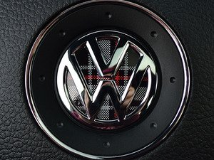 ES#3096648 - K9SW4 - Steering Wheel Badge Inlay - MK6 GTI Plaid - 5-piece badge inlay set for your steering wheel emblem - Klii Motorwerkes - Volkswagen