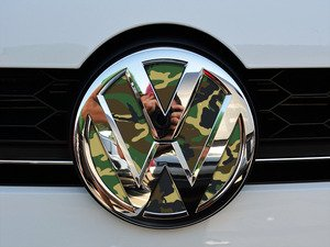 ES#3096396 - K15FR17 - Front Badge Inlay - Woodland Camo - 5-piece badge inlay set that can be applied without removing the badge - Klii Motorwerkes - Volkswagen