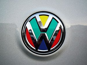 ES#3096447 - K19RE12 - Rear Badge Inlay - Harlequin - 1-piece full circle badge inlay that requires removal of the badge for installation - Klii Motorwerkes - Volkswagen